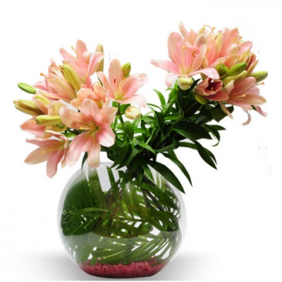 glass vase arrangement